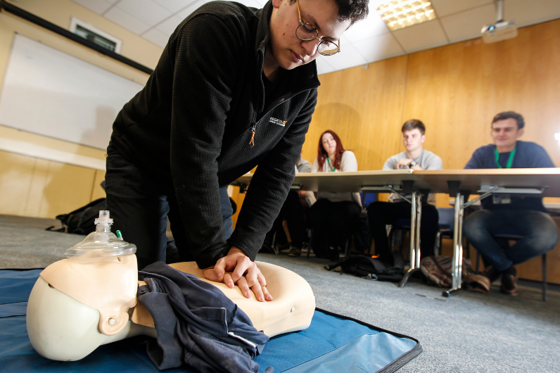 Student learning resuscitation on the Proficiency in Medical First Aid course