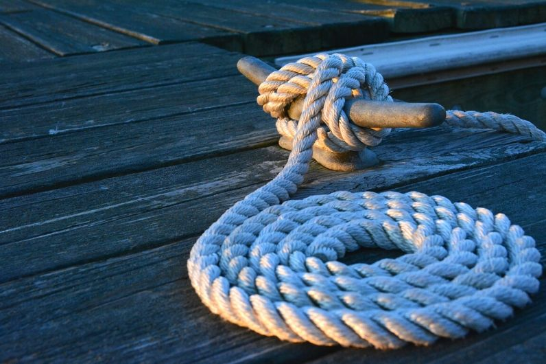 Rope laying on the pontoon