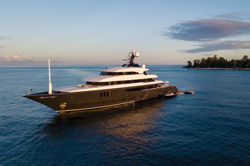 Superyacht Icon in the Seychelles