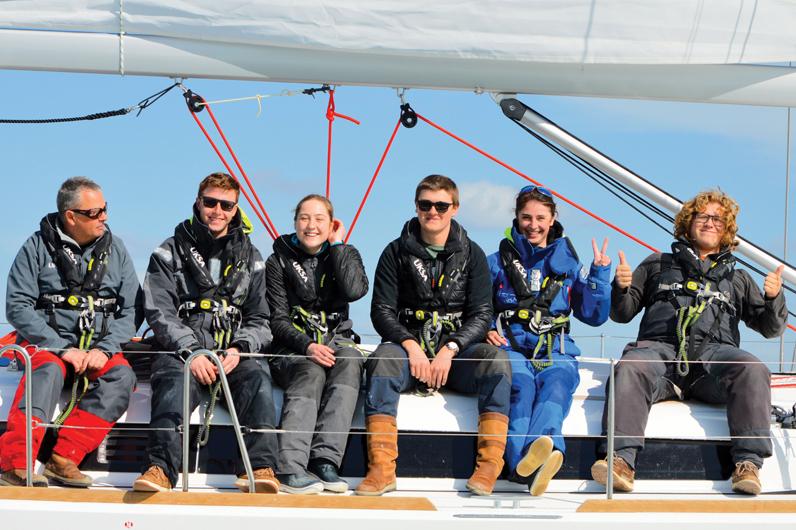 Yachtmaster Group onboard Jeannaeu 449 Yacht